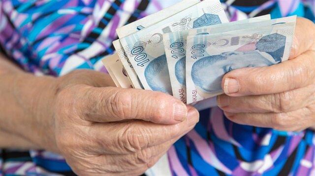 Borcunu peşin ödeyip hemen emekli olmak isteyen ancak nakit sıkıntısı yaşayan Bağ-Kur'lular için düşük faizli kredi imkanı da var.