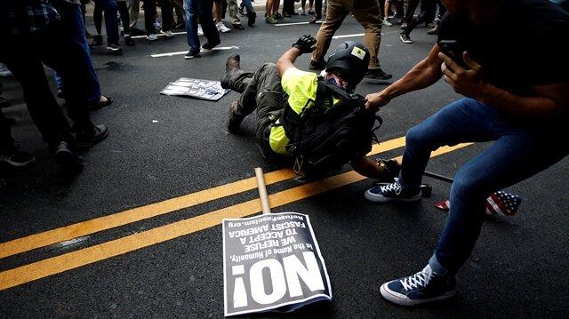 ABD'nin Virginia eyaletine bağlı Charlottesville şehrinde yüzlerce ırkçı gösteri yaptı. Gösteride ortaklık karıştı, OHAL ilan edildi.