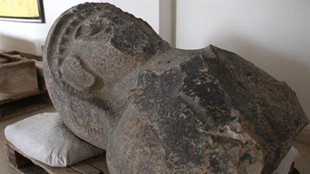 Tayinat Höyüğü'nde Kral Suppiluliuma'nın karısı olduğu tahmin edilen kadın heykeli bulundu.