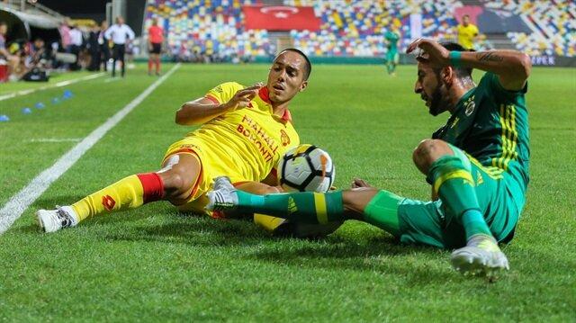 Göztepe ve Fenerbahçe Süper Lig'in ilk haftasındaki karşılaşmadan 2-2'lik beraberlikle ayrıldı.
