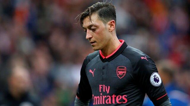 Mesut Özil'e<br>şok eleştiri