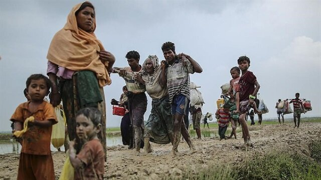 Aung San Suu Kyi blames 'terrorists' for Rohingya 'misinformation'
