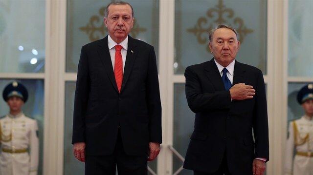 Cumhurbaşkanı Recep Tayyip Erdoğan, Kazakistan Cumhurbaşkanı Nursultan Nazarbayev tarafından resmi törenle karşılandı.
