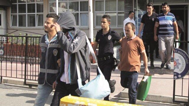 ByLock operasyonları sürüyor. Adana'da dün 11'i kadın 39 kişi gözaltına alınırken, Kahramanmaraş'ta 15, Tokat'ta ise 3 zanlı yakalandı.