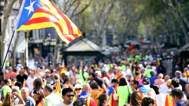 Referandum öncesi Katalonya'ya ekonomik kontrol