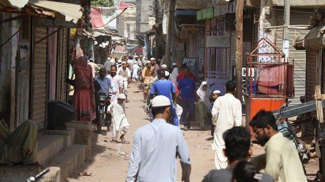 Burma Kolonisi adı verilen yerleşim bölgesinde Arakanlı Müslümanlar, çok katlı betonarme binalarda yaşıyor.