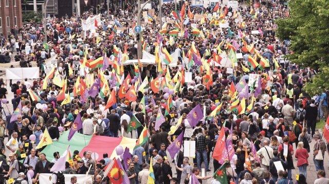 Almanya PKK'ya izin verdi