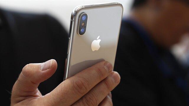 iPhone X'in fiyatı ABD'de 999 dolardan başlayacak.