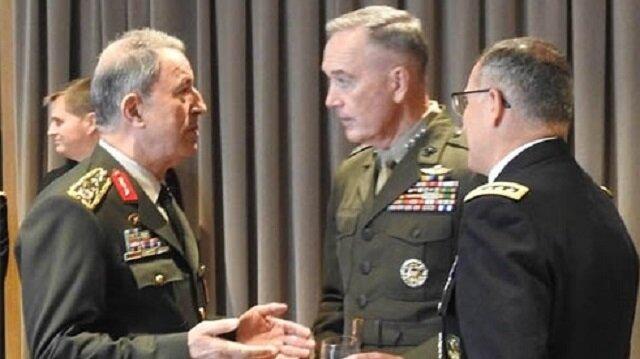 Genelkurmay Başkanı Orgeneral Hulusi Akar, NATO Askeri Komite Genelkurmay Başkanları Toplantısı için bulunduğu Arnavutluk'ta, ABD Genelkurmay Başkanı Joseph Dunford ile görüştü.