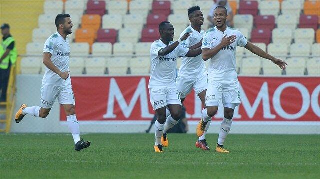 Bursaspor, Yeni Malatyaspor'u Malatya Stadı'nın açılış maçında 4-2 mağlup etti.