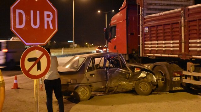 Amasya'nın Gümüşhacıköy ilçesinde meydana gelen trafik kazasında 1'i çocuk 6 kişi yaralandı.