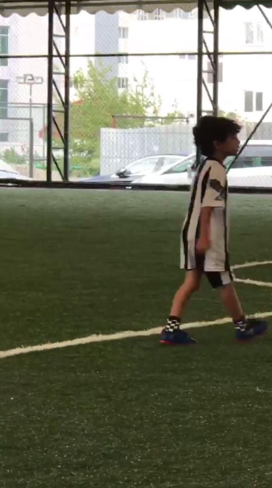 Andre Santos'un oğlu altyapıda böyle görüntülendi.