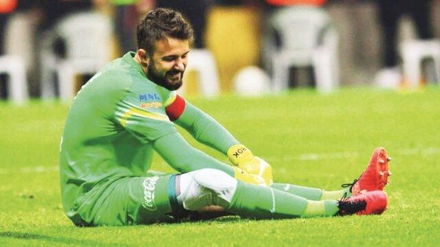 İdmanda sakatlanan Onur Recep Kıvrak, Başakşehir maçında forma giyemeyecek.