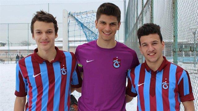 Genç file bekçisi, altyapısından yetiştiği Trabzonspor'da profesyonelliğe adım attı.