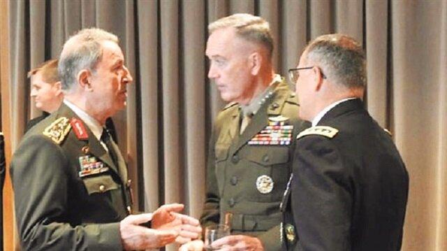 Genelkurmay Başkanı Org. Hulusi Akar, ABD'li meslektaşı Joseph Dunford'la Arnavutluk'ta görüştü.