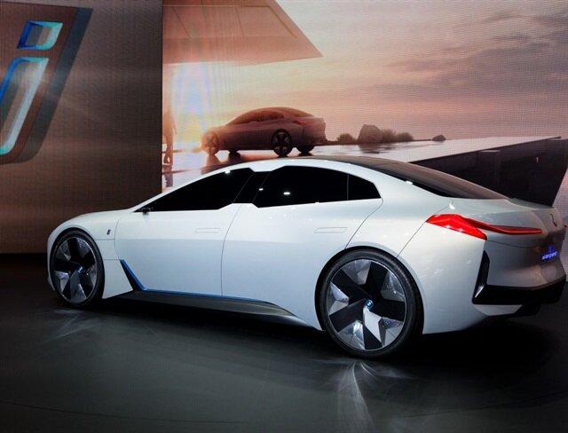 BMW'nin tam elektrikli konsept aracı: i Vision Dynamics