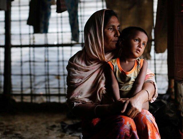 Bangladeş'e sığınan Arakanlıların sayısı 421 bine ulaştı