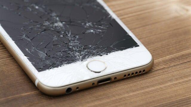 ABD'li teknoloji lideri Apple, sessiz sedasız servis ücretlerini arttırdı.