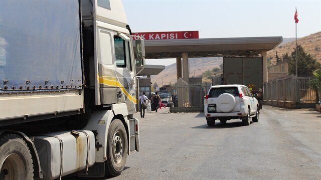 مساعدات أممية محملة على 9 شاحنات تتوجه الى إدلب السورية