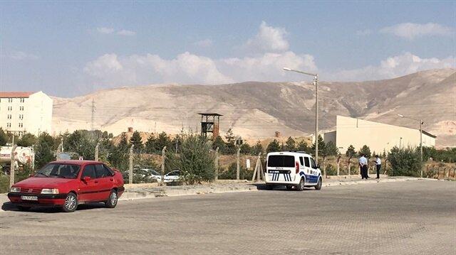 تركيا.. استشهاد شرطي وإصابة آخر إثر اصطدامهما بمروحة هليكوبتر
