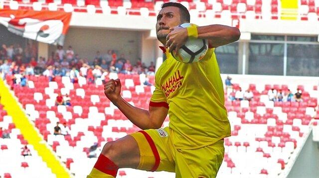Adis Jahovic celebrating a goal (photo: yenisafak.com)