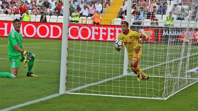 Çantası hazır golcü: <br>Adis Jahovic