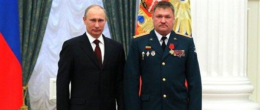 Rus komutan öldürüldü