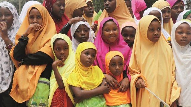 Zanzibarlı çocuklar külliyeye emanet