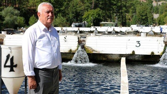 Mustafa Özpek, bir zamanlar 'otobüs parası biriktirmek için' gittiği Avrupa ülkelerine milyonlarca avroluk balık ihracatı yapıyor.
