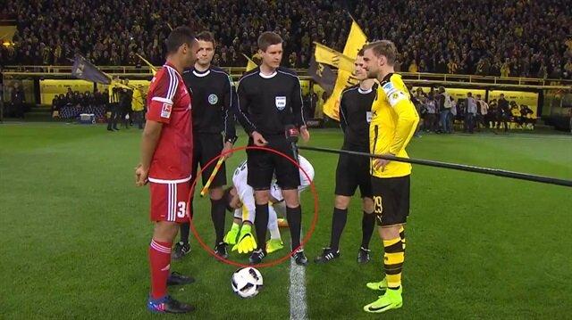 Dortmund'un kalecisinden ilginç hareketler
