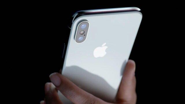 Apple'ın oldukça iddialı olduğu özelliklerden biri olan Face ID özelliğinin 13 yaş altı çocuklarda stabil çalışmadı açıkladı.