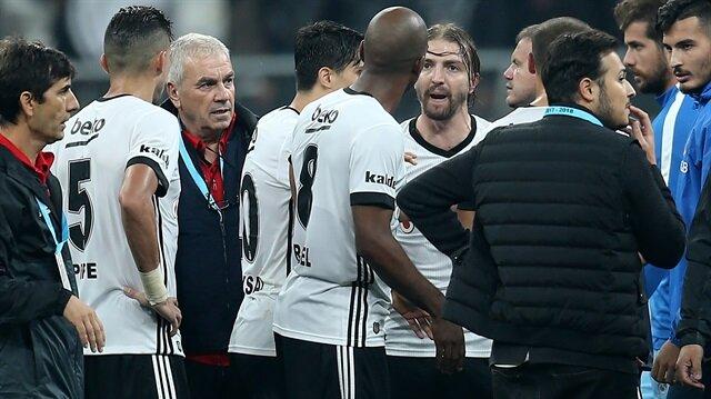 Beşiktaş'ta Caner Erkin ve Talisca arasında yaşanan gerginlik takım içerisindeki diğer futbolculara da sıçradı.