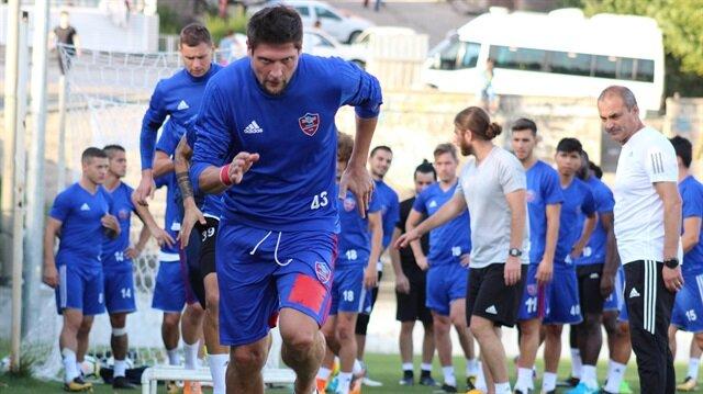 Karabükspor'un tecrübeli futbolcusu Seleznov, Galatasaray'a transferi hakkında konuştu.
