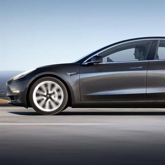 Tesla Model 3 hedefinin çok gerisinde