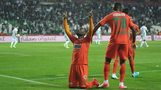 Geçen sezonun gol kralı Vagner Love, bu sezon çıktığı 7 maçta 7 gol atarak müthiş bir istatistiğe imza attı.