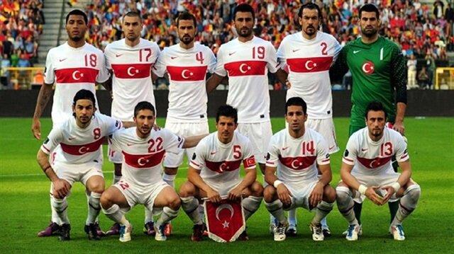 Mehmet Demirkol, milli takımın giydiği formayı eleştirerek beyaz Ay-Yıldızlı formanın giyilmesi gerektiğini söyledi. (Fotoğraf: Arşiv)