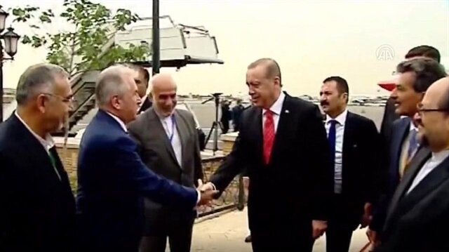 President Erdoğan receives warm welcome in Iran