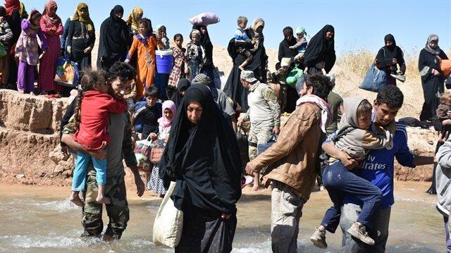 Havice halkı, Irak ordusu ile terör örgütü DEAŞ arasında yaşanan çatışmalardan kaçmaya devam ediyor.