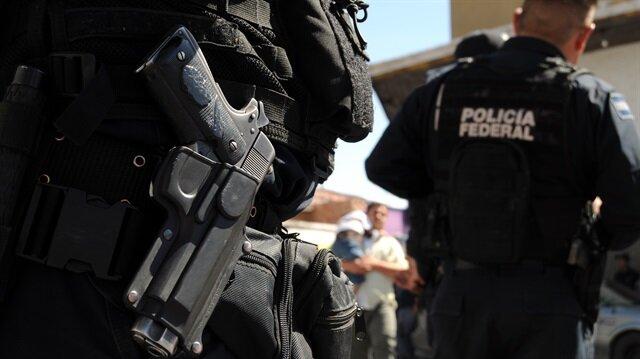 Saldırganlar tarafından kaçırılan polislerin bulunması için bölgeye takviye güvenlik güçleri sevk edildi.