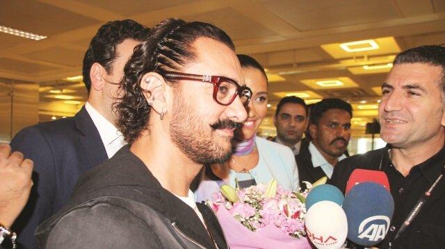"""Bollywood starı, """"Türkiye'de bulunmaktan çok mutluyum"""" dedi."""