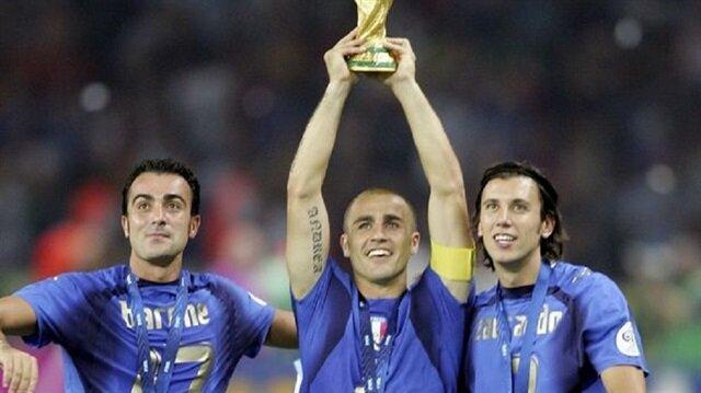 Zaccardo İtalya'nın 2006'da dünya şampiyonu olduğu kadroda yer almıştı.