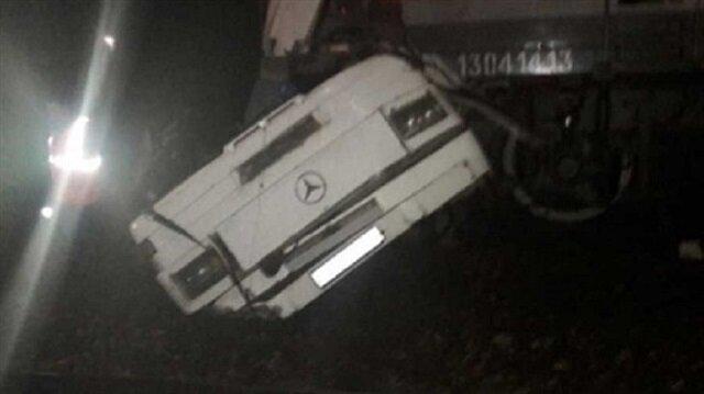 Sixteen people die in passenger bus