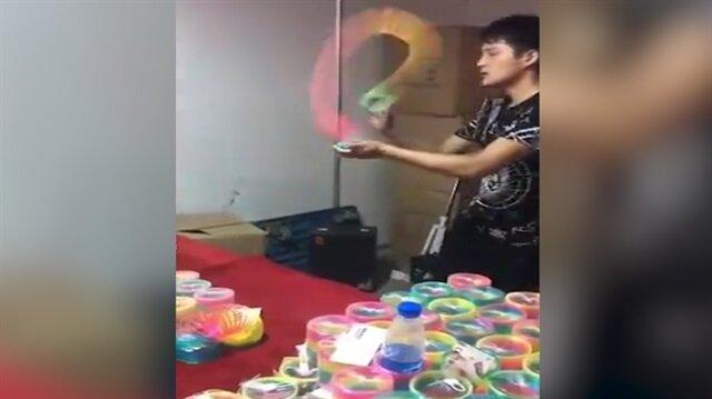 O oyuncakla meğer böyle oynanıyormuş