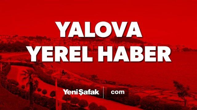 Son dakika: Yalova Çiftlikköy ilçesinde tırın 2 yolcu minibüsüne çarpması sonucu 8 kişi yaralandı.