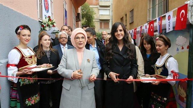 عقيلة أردوغان تفتتح مركزا لرعاية الأطفال في صربيا