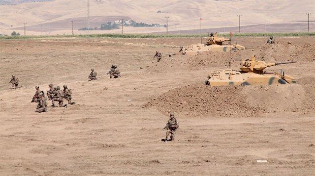 Habur Sınır Kapısı yakınında başlatılan tatbikatta, dört koldan düşman mevzileri ele geçirildi.