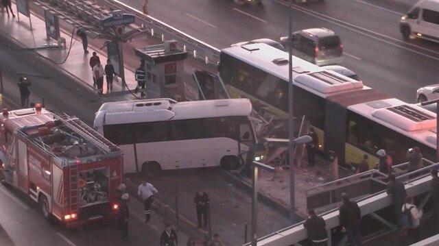 Servis aracı metrobüs yoluna girdi