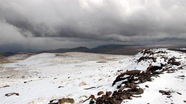 Erzurum'da kar yağışı sonrası ortaya güzel manzaralar çıktı.