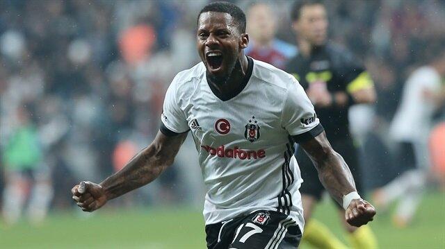 Jeremain Lens, Trabzonspor maçında attığı golden sonra sevinirken.