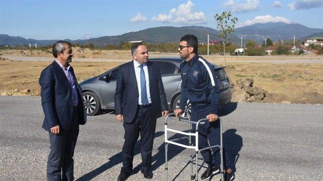 Kazadan sonra ayağa kalkan Sofuoğlu'nun ilk işi pisti incelemek oldu.